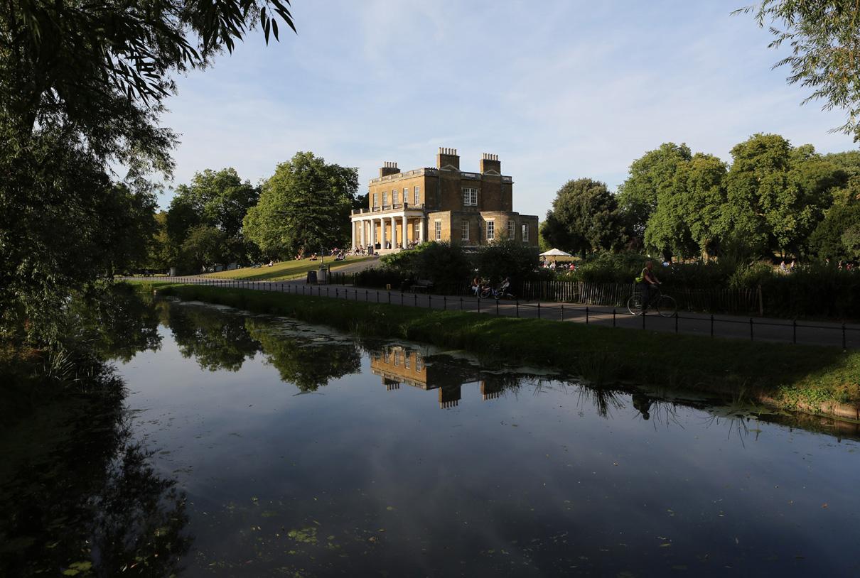 Travel/documentary: London Stoke Newington Clissold park